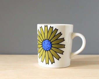 1960s coffee mug, green and blue floral mod design.