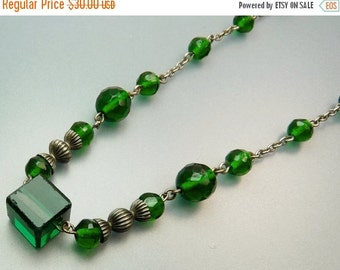 Art Deco Green Glass Bead Necklace