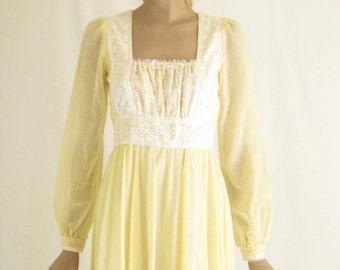 Vintage 70's GUNNE SAX Boho Maxi Dress. Size Small