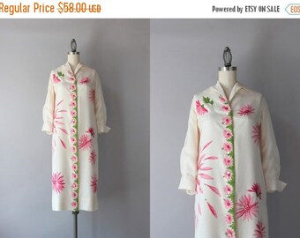 STOREWIDE SALE 1960s Silk Dress / Vintage 50s 60s Pink Floral Shirt Dress / 60s Serbin Silk Dress
