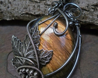 Sterling Silver and Labradorite Pendant with Leaf