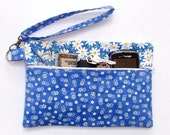 Blue Daisy Wristlet, White Floral Clutch, Front Zip Makeup or Phone Holder, Small Zippered Purse, Blue Wallet, Daisy Print Camera Bag