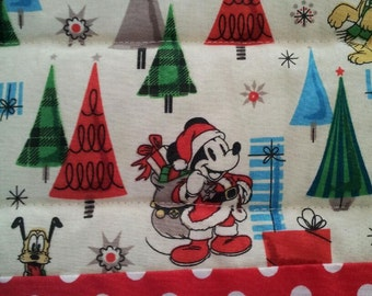 Mickey Mouse Christmas Quilt