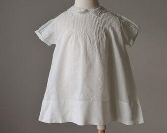 1950s Batiste Heirloom Dress >>> Size 9 months