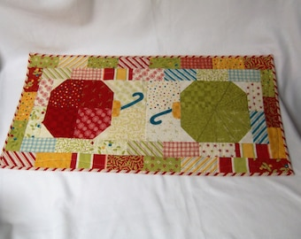 Christmas Ornament Table Runner