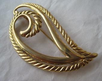 Gold Brooch Vintage Pin
