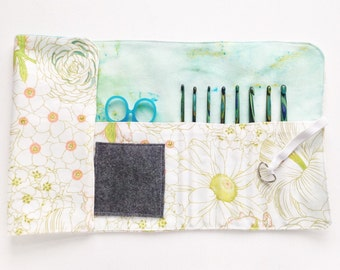 Crochet hook roll up, crochet hook organizer, crochet hook holder, crochet hook case