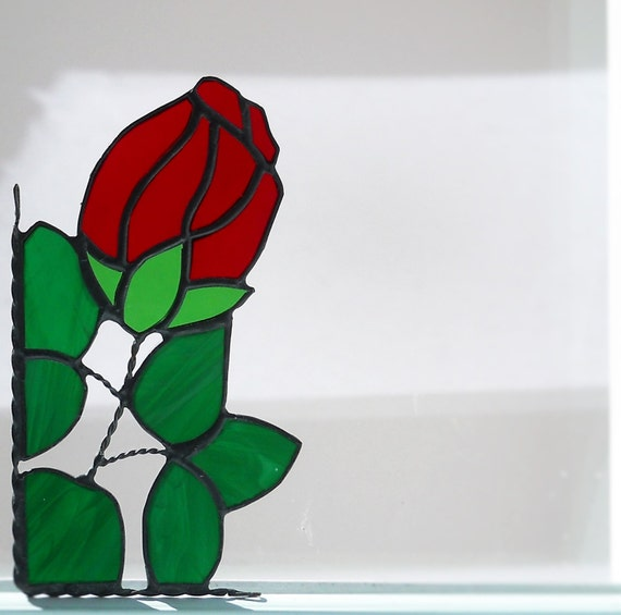 rose / stained glass window corner /  bottom left or right / red