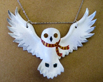 Hedwig with Gryffindor Scarf leather pendant necklace, snowy owl, with silver-plated chain, Harry Potter, statement