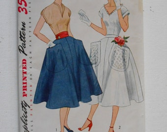 Vintage 50s V Neck Blouse and Full Skirt Pattern Simplicity 3927 Size 16 Bust 34 UNCUT