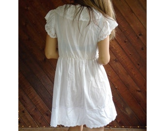 White Eyelet Ruffled Mini Dress - Vintage 80s - SMALL