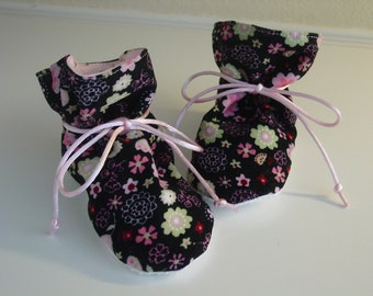 Floral corduroy TV baby booties/soft sole shoes SIZE LARGE