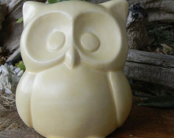 Ceramic  Owl Statue in  banana creme trimmed Garden  decoration   cm