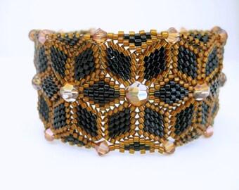 Beaded Bracelet  / Peyote Bracelet with Swarovski Crystals in Black and Amber / Seed Bead Bracelet / Herringbone Bracelet /  Statement