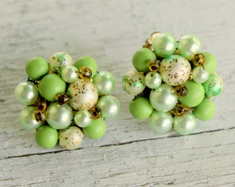 Green Cluster Earrings 1950s Japan Clip On
