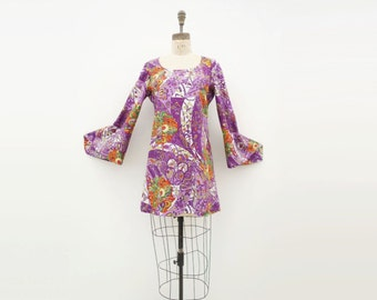 60s Mod Mini Dress Bell Sleeve Dress 1960s Vintage Dress 1960s Mini Dress Paisley Floral Mini Mod Purple Dress 1960s Mod Dress Small