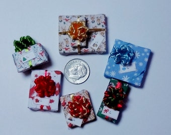 Six Assorted Miniature Christmas Packages set XP115