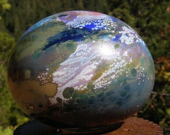 Hanblown Glassballoon, garden art