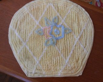 Vintage chenille toilet seat cover, Pretty Yellow