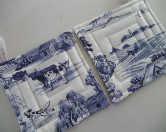 Toile de Jouy Pot Holder Set of 2,  Blue Toile French Country Pot Holders