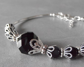 Black Bracelet Beaded Crystal Bridesmaid Bracelet Delicate Black and Silver Bridal Party Jewelry Maid of Honor Gift Black Crystal Jewelry