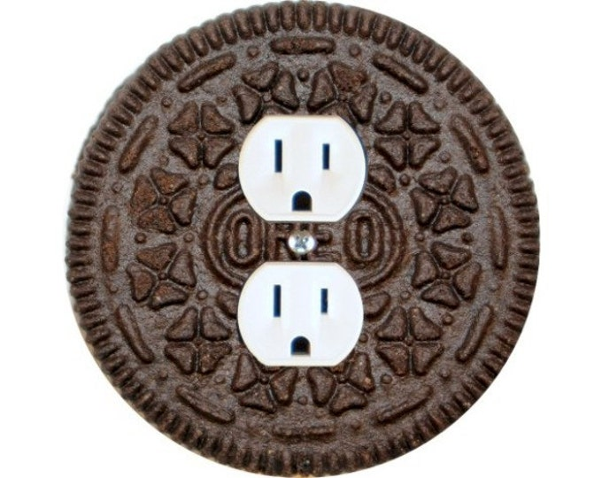 Chocolate Sandwich Cookie Duplex Outlet Plate Cover