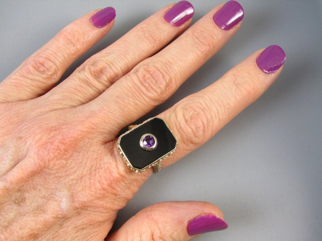 Vintage Art Deco 18K two tone yellow and white gold black onyx purple amethyst ring signed M.B. Bryant & Co.