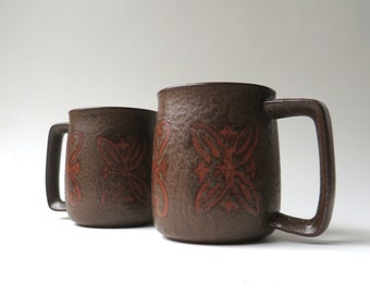 Mid Century vintage Earth Brown and Clay Red Stoneware Mugs / Set of 2