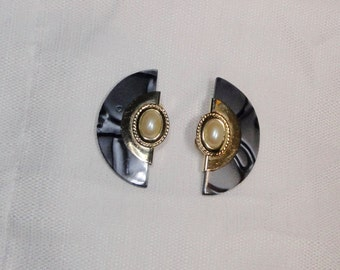 1980s Deco Style Gold tone metal with Gray Marbleized Lucite and Faux Pearl Cabochon Clip Earrings.