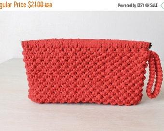 SALE Red Woven Clutch / Red Wristlit / Clutch purse / 1970's/