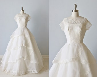 Vintage 1950s Wedding Dress / 1950s Lace and Silk Wedding Gown / Short Sleeves / Cascading
