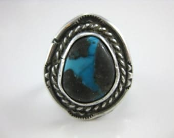 Size 6.25 Vintage Oval Turquoise Sterling Silver Wire Wrap Ring