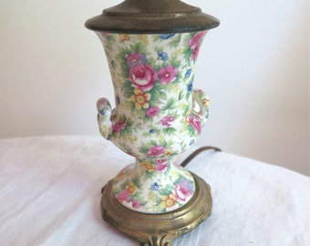 Vintage Chintz Lamp in Porcelain by A.Beck N.Y. Boudoir Urn Style with Brass and New Silk Lampshade