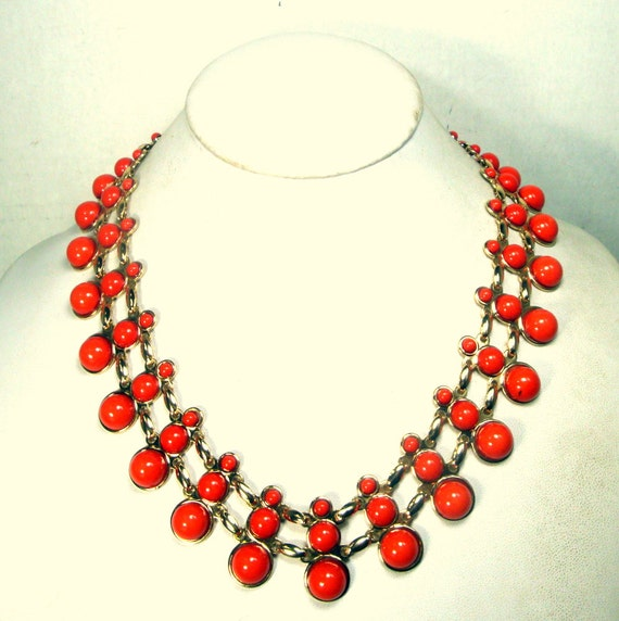 Collar de coral vintage oxblood