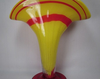 "Stunning Cased Glass Fan Vase - Red and Yellow - Amost 12"" Tall !"