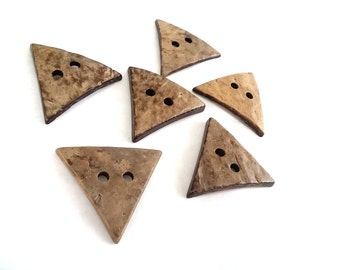 6 Beige Coconut Shell Buttons 40mm -  Triangle shape