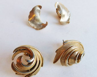 2 Pair Vintage Goldtone Clip-On Earrings - Avon, Trifari Mid-Century Leaf-Motif Earrings - Classic Styling - Etched Finish - Jewelry Lot