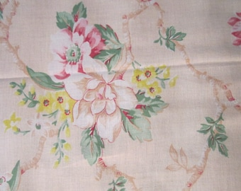 Vintage 1940s Lightweight Linen Pale Floral PAIR of 34x72 Curtain Panels as found