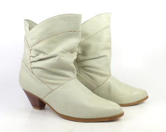 Boots Off White Women's Flat Vintage 1980s Slouch Short Ankle Booties Women's size 8 1/2