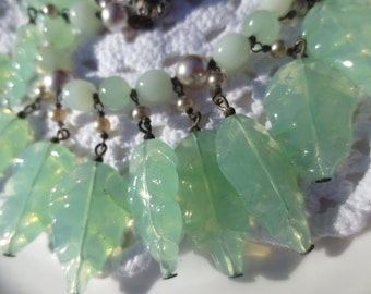 Vintage Miriam Haskell Bracelet Beaded Green Glass Leaves Pearls Leaf Charms