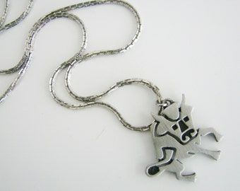 Vintage silver bull/ Taurus necklace (X5)
