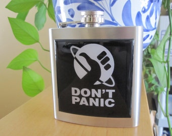 Hitchhikers Guide To The Galaxy Inspired Dont Panic Liquor Hip Flask