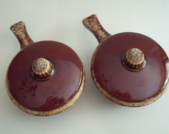 2 Vintage Covered  HULL Handled Pottery Bowls Chili, Onion Soup, Casserole Dishes Brown Drip