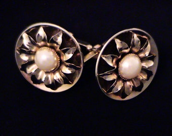 Vintage Sunflower Pearl Cuff Links