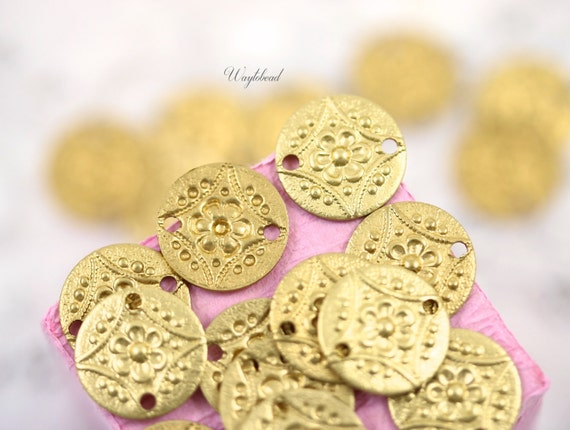 Brass Patterned Round Connectors 11mm 2 Holes - 8