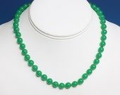 Green Glass Bead Choker Necklace Fancy Gold Tone Clasp
