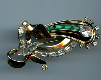Mazer Rhinestone Brooch in Emerald Green and Clear