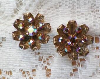 Vintage Flower Earrings with Honey Hued AB / Aurora Borealis Rhinestones, Clip On, Rhinestone, Gold Tone, Floral Earrings, Flowers