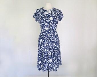 SUNPRINT // bold shelton stroller 50s or 60s graphic day dress