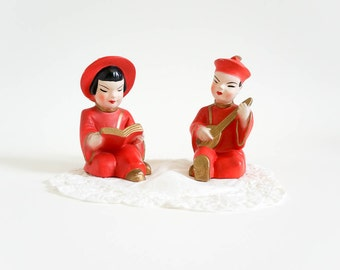 Vintage 1950s Figurines / 50s 60s Chinese Man Woman Chalkware Figurines / Red Gold Asian Kitsch Retro Decor